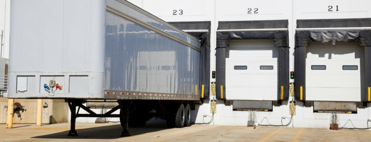 Loading Dock Safety Tips For Truckers and Warehouse Workers [Infographic]